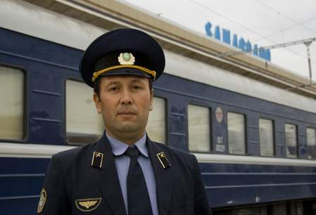 Registan Express op station Samarkand